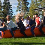 Hoppepølse med plass til 6 personer, til bruk sammen med andre aktiviteter i teambuldingsprogrammet på Mineralparken.