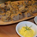 Til tapasbordet på Mineralparken baker vi Rallaren Bistro sitt eget tapas brød med deilig tilbehør.