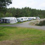Mineralparken Camping ligger i naturskjønne omgivelser ned mot elven Otra og har flotte fiskemuligheter.