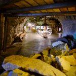 Nedgangen til tunnelen med det første store monteret i fjellet på Mineralparken på Evje.
